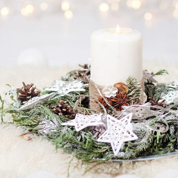 Do you want a peaceful Christmas atmosphere in your home? Join us as we prepare the atmosphere for peace with a few simple home decorations. #Christmas #Christmasdecor #peace #atmosphere #peacefulChristmas