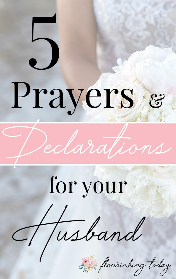 Do you find it difficult to pray for your husband? Here you'll find daily scriptures to pray for him in 5 key areas: at work, for his health, for home life, his relationships and spiritual growth. #FREEPrintable #marriage #encouragement, #dailyprayers #prayersforyourhusband #spiritualgrowth #marriage
